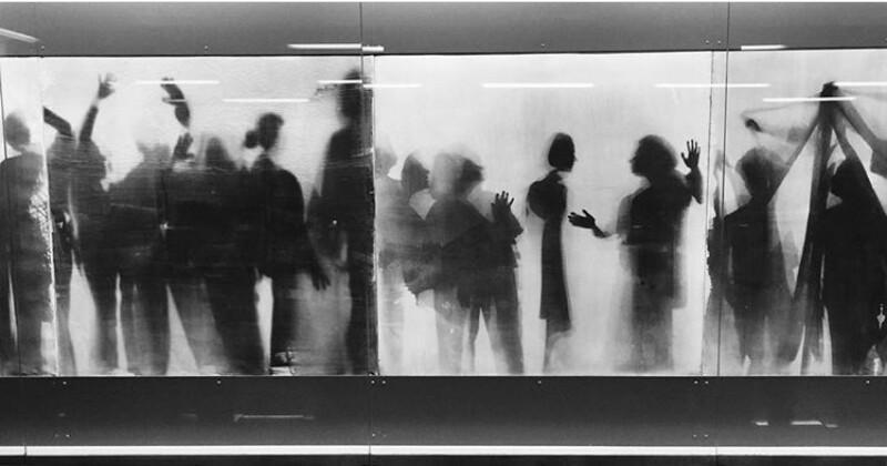 """Μάνος Κοκολάκης: """"Στη φωτογραφία, θέλω να νιώθω την ελευθερία να πειραματίζομαι"""""""