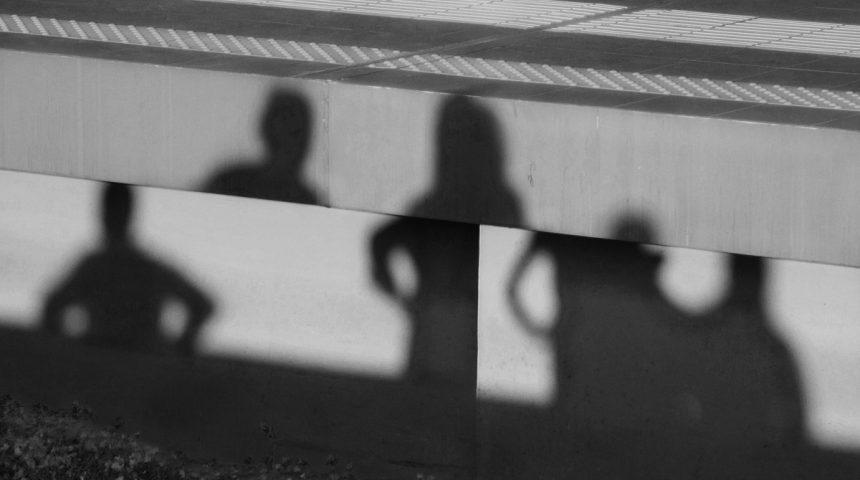 Χρήστος Μαθιουδάκης: «Η φωτογραφία λειτουργεί μέσα μου ως μνήμη. Η ποίηση, ως μέθη και λήθη»