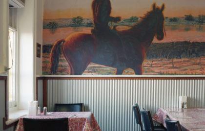"""Ιωάννα Σακελλαράκη: """"Η φωτογραφία συντελεί στο πως βλέπω και θέλω να διαβάσω τον κόσμο γύρω μου και διαδοχικά τι μπορώ να δημιουργήσω εμπνευσμένη από αυτόν"""""""