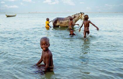 Το χρώμα, τα χαμόγελα, η μουσική, η Σενεγάλη…