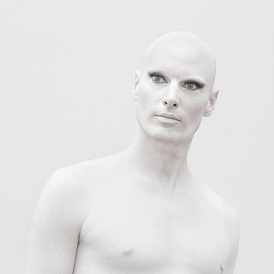 White – Θεματική έκθεση φωτογραφίας στην Blank Wall Gallery
